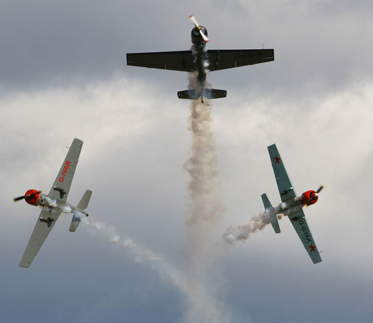 cosford air show, planes in action